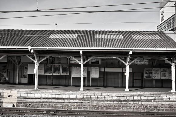 奈良・王寺の駅は良い具合に古くてかっこいい、と思ういおりん。