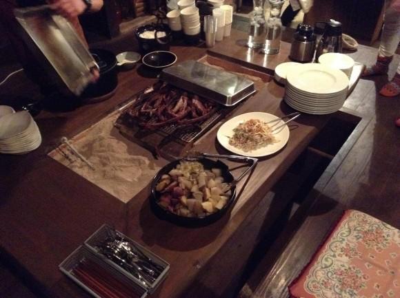 ジビエ料理。山芋とかもあって美味しかった。女将さんがずっと作ってくれていた。感謝。