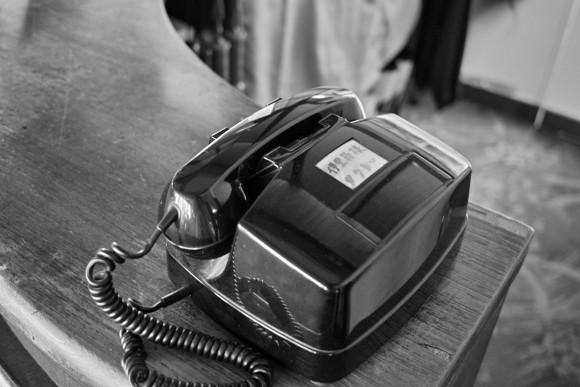 電話がどういう場面で便利なのかを考えてみてちょ。