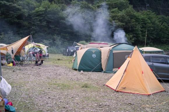 キャンプって本当楽しい(涼しいところ限定)。