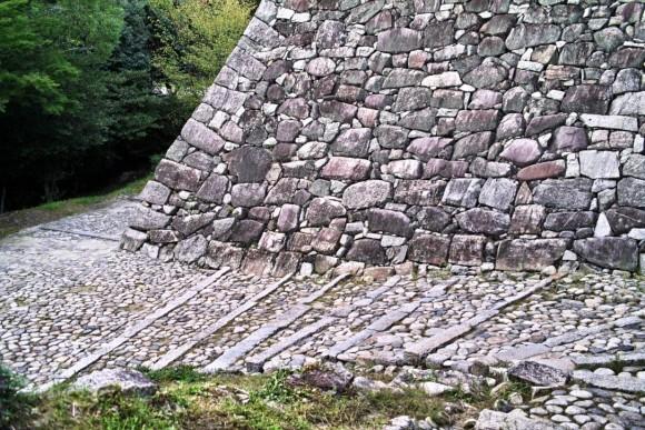 石の道はかっこいいと思ういおりん。