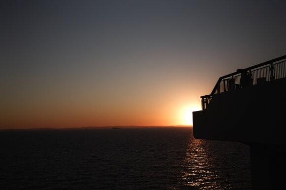 最近曇りが多いので夕焼けの写真をお届け。